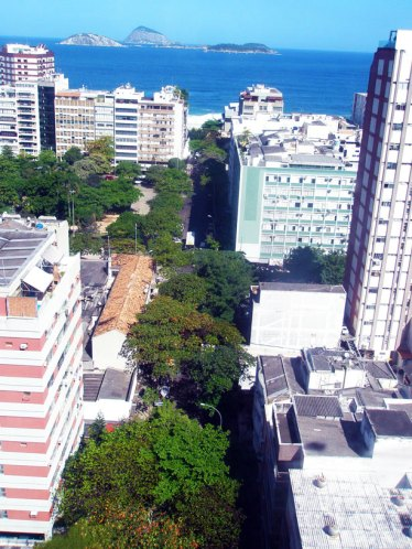 View from the other side, facing Ipanema beach.